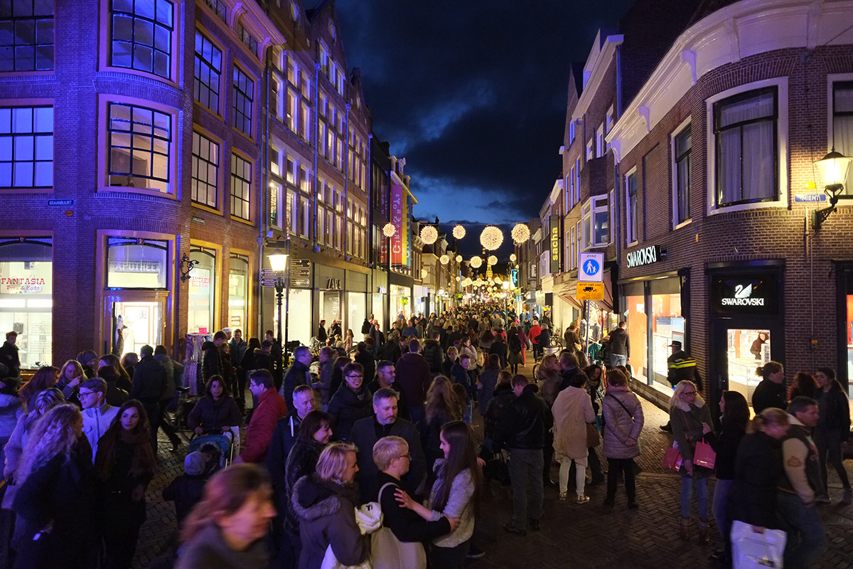 alkmaar shopping night 2015 - grapelli dance studio's, Attraktive mobel